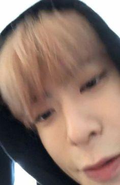 "bacon-notbaekhyun-jaehyun-mingyu: ""When Jaehyun goes up close to the camera his face goes extra squishy 💕 "" Jaehyun Nct, Nct 127, Winwin, Taeyong, Memes Chinos, Nct Dream Renjun, Johnny Seo, Wattpad, Dibujo"