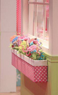 "Indoor window box with fake flowers in a little girl's room. Definitely doing this in the kid's ""house"" area of their room! Indoor Window Boxes, Window Sill, Crafts For Kids, Diy Crafts, Summer Crafts, Kids Boxing, Little Girl Rooms, Flower Boxes, Flower Pens"
