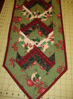 Sister Of The Divide: Scrappy Valentine's Day Table Runner Tutorial Table Topper Patterns, Quilted Table Toppers, Table Runner Tutorial, Table Runner Pattern, Strip Quilts, Patch Quilt, Scrappy Quilts, Table Runner And Placemats, Quilted Table Runners