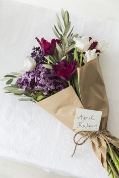 Most current No Cost Birthday Flowers bouquet Ideas When searching for your thoughtful along with pleasurable birthday celebration treat intended for a How To Wrap Flowers, My Flower, Fresh Flowers, Beautiful Flowers, Simple Flowers, Colorful Flowers, Deco Floral, Arte Floral, Floral Arrangements