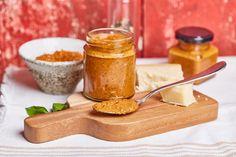 Vörös pesztó - az igazi, fűszeres, paradicsomos, olívaolajos csoda, aminek kb. minden hűtőben vagy kamrapolcon ott kellene lennie! Kaja, Pesto, Peanut Butter, Minden, Food, Street, Kitchen, Cuisine, Meal