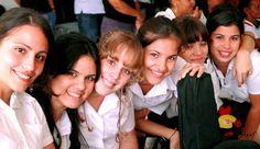 https://eladversariocubano.files.wordpress.com/2014/02/17aem_jovenes_cubanos.jpg