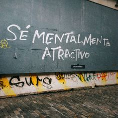 Sé mentalmente atractivo Some Quotes, Words Quotes, Sayings, More Than Words, Some Words, Frases Instagram, Street Quotes, Love Phrases, Wall Quotes