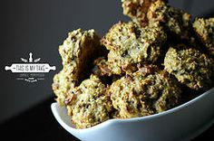Protein-Almond-Raisin Oatmeal Cookie #protein #fitness #gym #cookies #recipe #recipes #nomnomnom #foodie #foodblog #oats #oatmeal #raisins #goldenraisins #almonds #almon #thisismytake #healthy