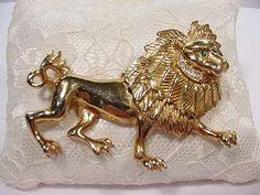 Vintage 1940s Big Gold Lion Pin w Rhinestones Ref Brunialti and Patent # ~ XLNT