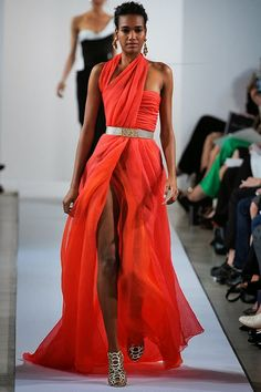 Oscar de la Renta New York - Pre-Spring 2013 - Shows - Vogue. Fashion Week, Runway Fashion, High Fashion, Fashion Show, Womens Fashion, Fashion Design, Asos Fashion, Fashion Finder, Style Fashion