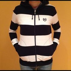 Tommy Hilfiger navy & white stretchy hoodie❤️ Comfy & great fit, runs like a size small✨✨ Tommy Hilfiger Sweaters