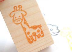 Giraffe rubber stamp, Animal invitation, Baby shower handmade kit, Kawaii stationery(Etsy のJapaneseRubberStampsより) https://www.etsy.com/jp/listing/155384570/giraffe-rubber-stamp-animal-invitation