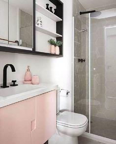 Bathroom Decor with Pink Vintage Memorabilia Home Room Design, Bathroom Interior Design, Bedroom Interior, Small Bathroom Decor, Girly Room Decor, Cute Bedroom Ideas, Home Design Decor, Bathroom Design Small, Bathroom Decor