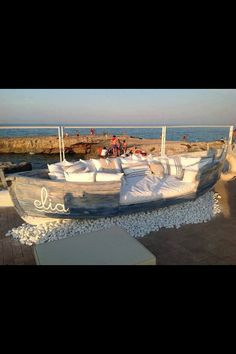 Original 35 Amazing Ways to Upcycle Old Boats We already featured some nice projects made from old upcycled boats. Here are 35 of the best ways to reuse old boats for your inspiration. Outdoor Seating, Outdoor Spaces, Outdoor Living, Outdoor Decor, Outdoor Sofa, Lounge Seating, Garden Seating, Backyard Beach, Vintage Boats