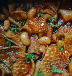 Tripe With Butter Beans Curry is a local specialty in South Africa. Many cultures within South Africa enjoy tripe for it& nutritional values Tripe Recipes, Curry Recipes, Beef Recipes, Cooking Recipes, Indian Dessert Recipes, Mexican Food Recipes, Asian Recipes, Jamaican Dishes, Kitchens