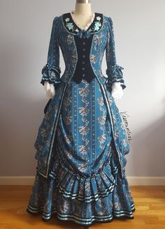 Operafantomet: phantoming, Search results for: engageantes Victorian Era Dresses, Victorian Gown, Victorian Costume, Vintage Dresses, Vintage Outfits, Vintage Hats, 1800s Fashion, Victorian Fashion, Vintage Fashion