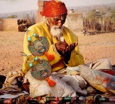 Boucles d'oreille nomade  boucles d'oreilles tribales par FUJIGIRLS