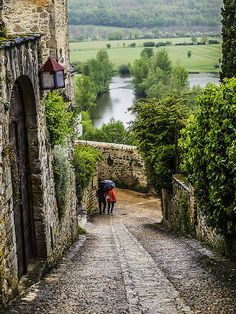 wanderthewood:Beynac-et-Cazenac, Dordogne, Francebycaramina