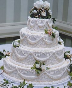 Traditional With Texture and Rope Wedding Cake