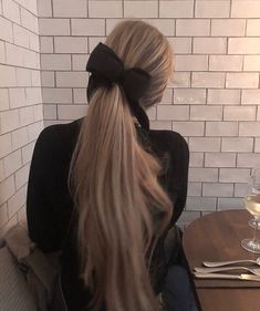Image uploaded by A🌊. Find images and videos about girl, fashion and hair on We Heart It - the app to get lost in what you love. Hair Inspo, Hair Inspiration, No Make Up Make Up Look, Aesthetic Hair, Grunge Hair, Dream Hair, Looks Style, Hair Day, Gorgeous Hair