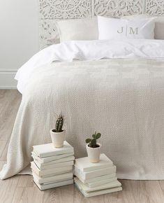 White Goose Down Duvets - Au Lit Fine Linens Linen Pillows, Linen Bedding, Bedding Sets, Bed Pillows, Bed Linens, Comforter, Brown Bed Linen, Neutral Bed Linen, Bunk Bed Designs