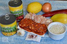 Paella cu pui si chorizo - CAIETUL CU RETETE Chorizo, Paella, Meat, Food, Sweets, Salads, Eten, Meals, Diet