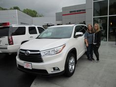 The sharp new 2015 #Toyota #Highlander purchased by the Hampton Family of Pikeville, KY from Chris Fouts! Congratulations and welcome to the Walters Toyota Nissan Family! #WaltersToyota #WaltersNissan