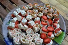 Afternoon Tea, Tapas, Strawberry, Food And Drink, Yummy Food, Snacks, Fruit, Drinks, Easy