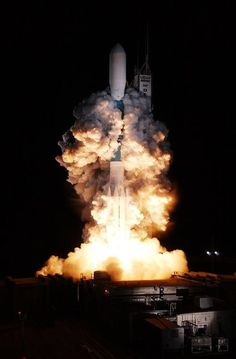 US Space Force in the future/ Benefits of a space force/ military advancement/ Rocket Move In Cleaning, White Space, Beautiful Living Rooms, Space Shuttle, Interior Design Services, Free Stock Photos, Service Design, Spacecraft, Future