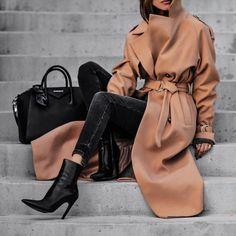 "22.6k Likes, 276 Comments - Sasha Simon • LolaRioStyle (@lolariostyle) on Instagram: ""OOTN The perfect camel coat http://liketk.it/2tEry #liketkit @liketoknow.it"""