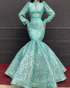 Perfection in a dress 😍🎊💙💝 Tag BFF . Not for sale! Lace Dress Styles, African Lace Dresses, African Fashion Dresses, Black Mermaid Dress, Mermaid Prom Dresses, Green Evening Gowns, Evening Dresses, Long Dresses, Dinner Gowns