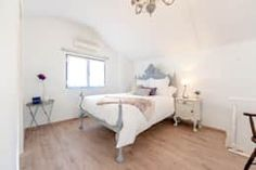 Camera da letto in stile In stile Country di alma portuguesa
