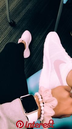 Pink sneakers on the Pink Sneakers, High Top Sneakers, Cute Shoes, Me Too Shoes, Apple Watch Fashion, Accessoires Iphone, Apple Watch Accessories, Accesorios Casual, Mein Style