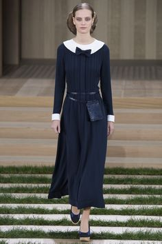 Chanel Spring 2016 Couture- Oh th bow detail almost like a nuns wear, love it