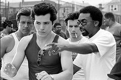 Spike Lee directing John Leguizamo in 'Summer of Sam'