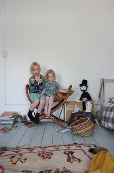 Mer Mag: Simple Scenes: This week at the Banister House