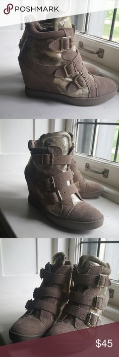 Guess platform sneakers Tan and gold hardware. These are in excellent used condition! Guess Shoes Ankle Boots & Booties