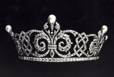 Queen Alexandra's Celtic Knot and Fleur-de-Lis Tiara, United Kingdom (pearls, diamonds).