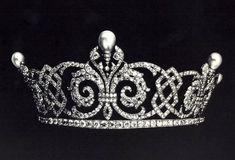 Queen Alexandra's Celtic Knot and Fleur-de-Lis Tiara, United Kingdom (pearls, diamonds).