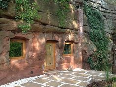 The Rockhouse Retreat was handsculpted over 700 years ago from a Triassic sandstone escarpment