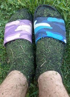 Slide Sandals, Socks, Legs, Sneakers, Fashion, Sandals, Tennis, Moda, Slippers