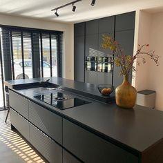 Luxury Kitchen Design, Best Kitchen Designs, Kitchen Ideas, Kitchen Furniture, Kitchen Interior, Shabby Chic Kitchen Decor, Cocinas Kitchen, Black Kitchens, New Homes