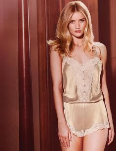 rosie-huntington-whiteley-marks-spencer-rosie-for-autograph-collection