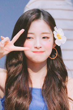Korean Face, Korean Girl, Kpop Girl Groups, Kpop Girls, Arin Oh My Girl, Kpop Hair, Girls Season, Girl Standing, Ballet Girls
