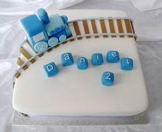 Train birthday cake .. Thinking I could make this :)