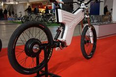 Greyborg bikes from a customer-distributer from Italy - Elettricorse. Zelena…