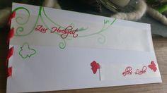 Hochzeitskarte mit Papiergarn gebunden und zwei bedruckten Transparentelementen