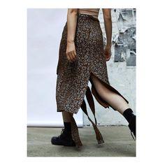 New project FOR ODD. New York. Editorial Fall/Winter 2017 E-Comm. Photographer: @paolo_m_testa / production and casting: @nastiasans / makeup: @mikashimoda01 / styling: ODD team with @jakmcgrath, @odd_nyc / model: @b_wooozy , @uniteuniteus #lookbook #photography #oddnyc #production #creativeagency #catalog #editorial #model #campaign #ecommercephotography #style #barbarabologna @barbara_bologna