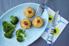 Easy, healthy and delicious! These mini meatloaf bites with just a dot of ketchup on top will satisfy everyone!
