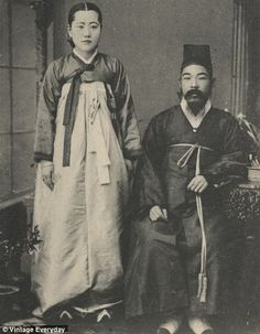 A married couple pictured in Korea in the late 19th Century