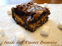Foto: Our Inside Out S'mores Brownies are a fun twist on a traditional s'more! Enjoy!  http://thecookinchicks.blogspot.com/2014/05/inside-out-smores-brownies.html