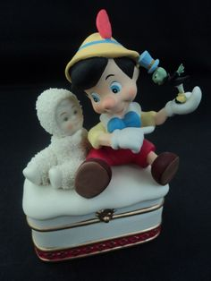 SNOWBABIES Dept 56 Disney Pinocchio Jiminy Cricket Trinket Box