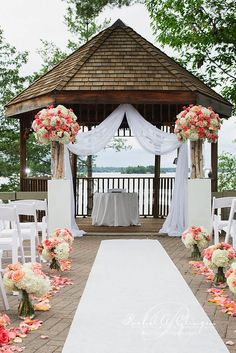 Outdoor Wedding Ceremony Gazebo An outdoor gazebo can be a beautiful complement to an outdoor wedding. A gazebo can quickly transform any setting into a more elegant setting fit for a wedding. Mod Wedding, Wedding Events, Wedding Ceremony, Trendy Wedding, Wedding Arches, Wedding Receptions, Chic Wedding, Wedding Bride, Wedding Burlap