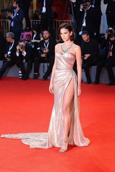Dressy Dresses, Event Dresses, Satin Dresses, Occasion Dresses, Sexy Dresses, Iconic Dresses, Night Dress For Women, Celebrity Dresses, Red Carpet Fashion
